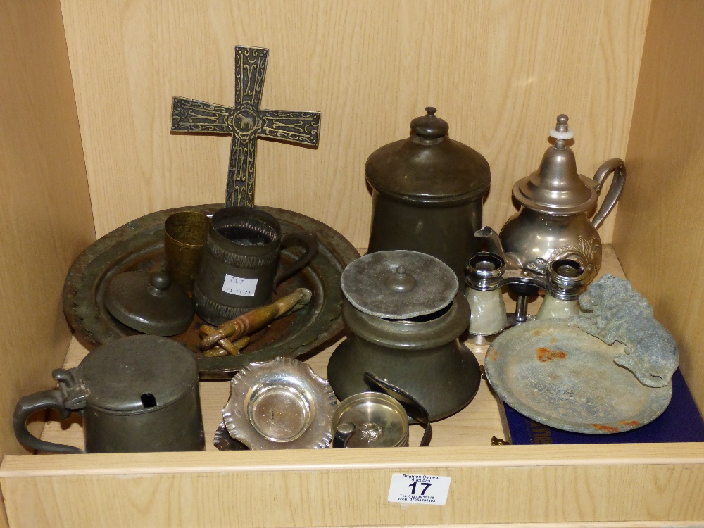 Lot 17 - MIXED LOT INCLUDING OPERA GLASSES & PLATED ITEMS