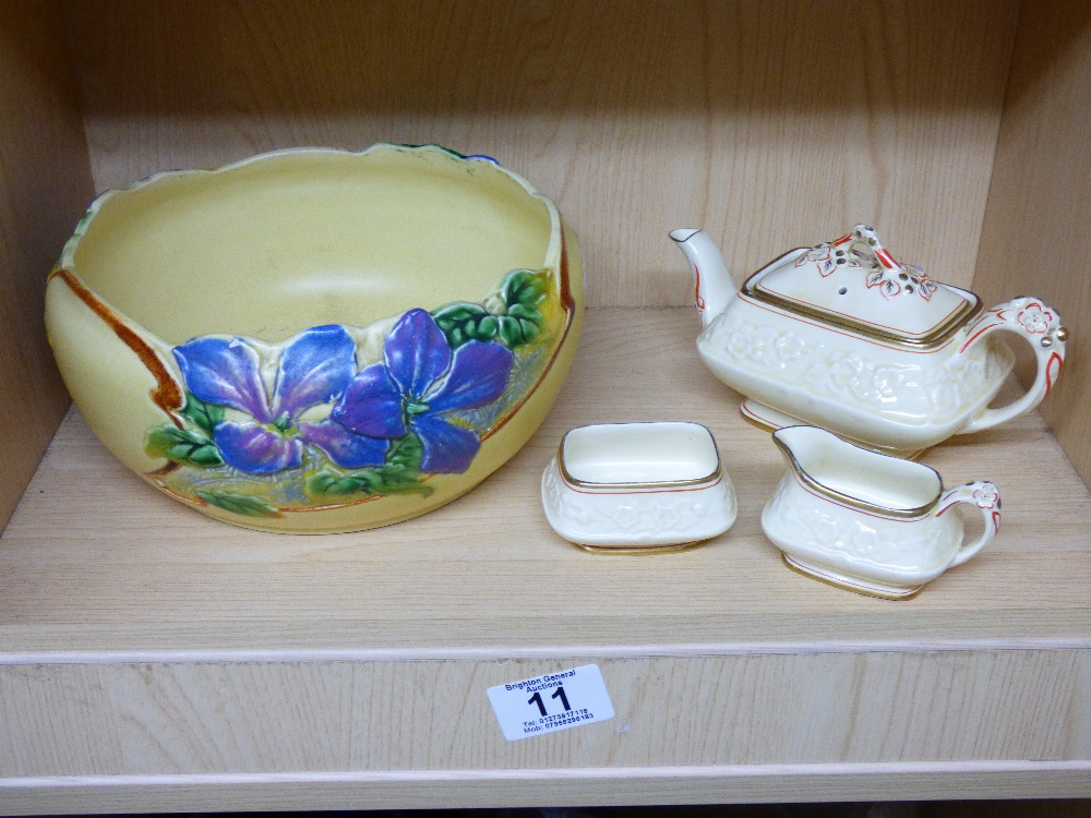 Lot 11 - BRETBY FRUIT BOWL & CROWN DUCAL TEA SET
