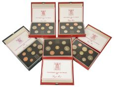 A collection of UK De Luxe Proof Coinage Sets comprising of 1984 8 coin proof set, 3 x 1985 7 coin