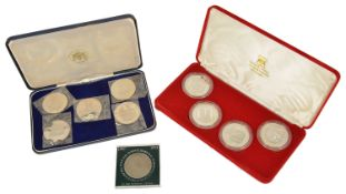 A collection of Royal Wedding Silver Coinsa cased set of four silver coins commemorating the Royal