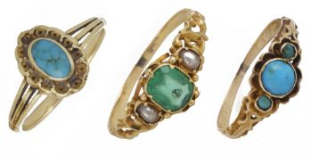 An early Victorian green 'emerald' paste and pearl set ring