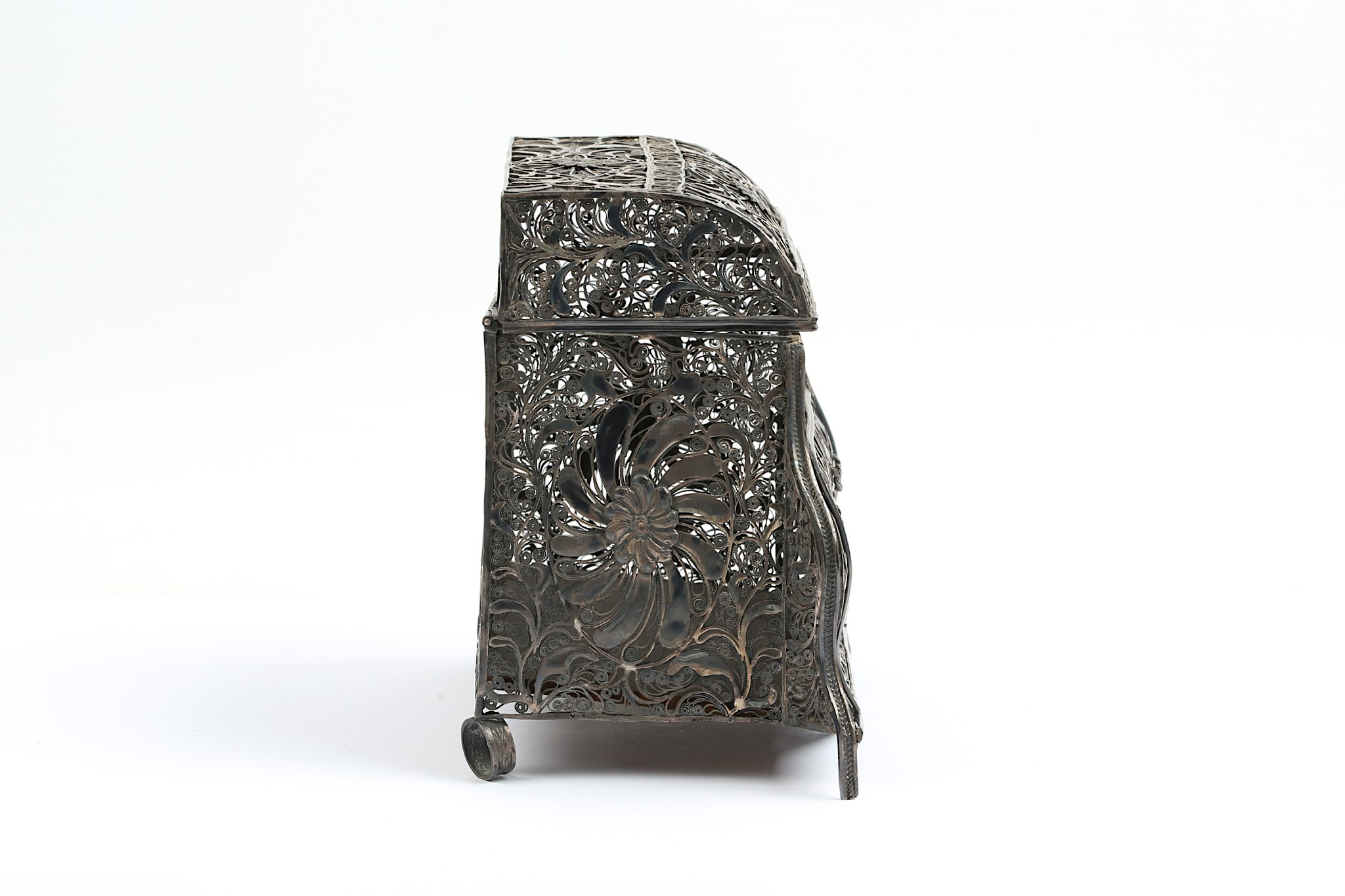 Lot 180 - A LATE 18TH / 19TH CENTURY INDO-PORTUGUESE SILVER FILIGREE CASKET PROBABLY GOA modelled as a bombe