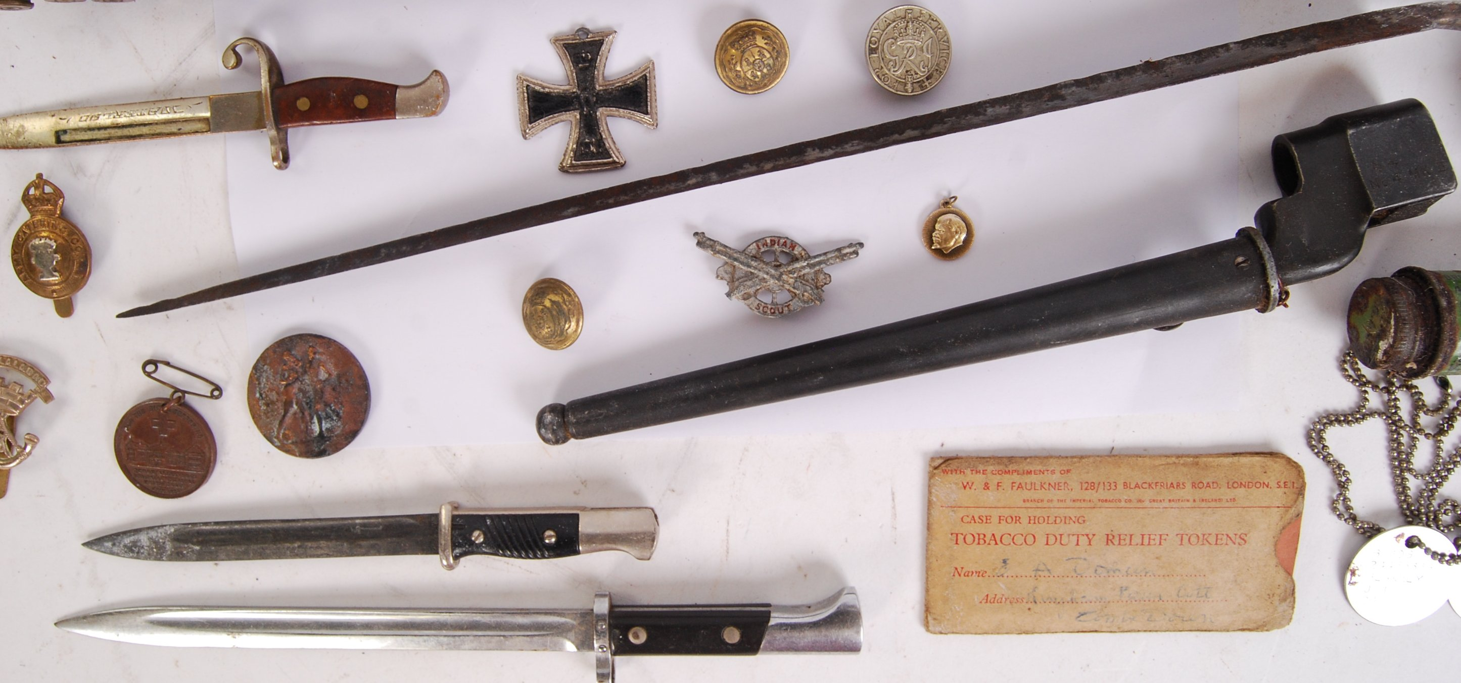 Lot 24 - MILITARY ASSORTED