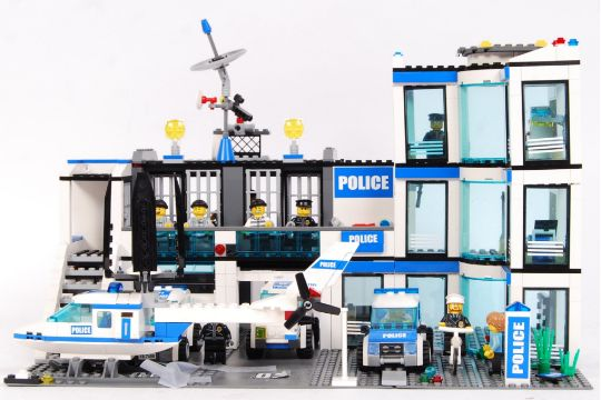 A Lego City Police Set 7498 39 Police Station 39 Appears