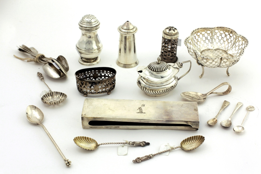 Lot 28 - Box: A small pierced silver Basket,with shaped hexagonal form on three scroll legs, Birmingham c.