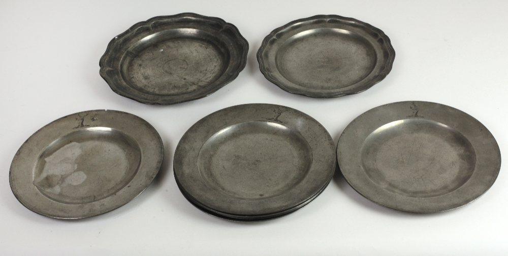 Lot 56 - A very good early 19th set of 6 English Pewter Plates, by Richard Yates, Shoreditch, London,