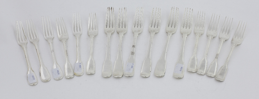 Lot 16 - A set of 6 heavy Victorian silver Dessert Spoons, London c.