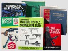 Sieben Bücher zur Waffengeschichte in englischer Sprache Edward Ezell, Handguns of the world, London
