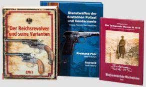 Drei Bücher zu Waffengeschichte Deutschlands Dienstwaffen der deutschen Polizei und Gendarmerie,
