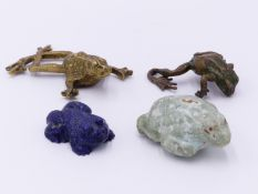 A CARVED LAPIS LAZULI FIGURE OF A FROG AND A CARVED GREEN STONE FIGURE OF A TOAD TOGETHER WITH TWO