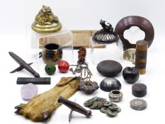 A COLLECTION OF ORIENTAL ARTIFACTS TO INCLUDE A PAIR OF JAPANESE ZORI, TWO JAPANESE KORO COVERS