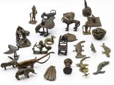 A COLLECTION OF INTERESTING WEST AFRICAN CAST BRONZE GOLD WEIGHTS IN VARIOUS ANIMALIAN AND HUMAN