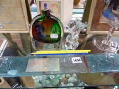 AN ART GLASS TORSO SCULPTURE, A VASE AND A WALL HANGING
