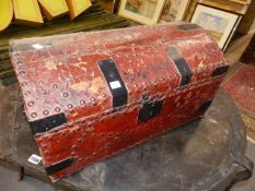 GEORGIAN RED LEATHER IRON MOUNTED DOME TOP SMALL TRAVELLING TRUNK. LABELLED A. RUNTING, BRIGHTON