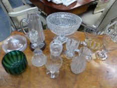 A SMALL COLLECTION OF ANTIQUE AND LATER GLASSWARES TO INCLUDE A CENTER BOWL, GOBLETS ETC
