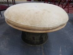 AN INTERESTING AMERICAN MID 20TH.CENTURY WIRE BASE CIRCULAR STOOL, DESIGNED BY WARREN PLATNER.