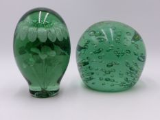 TWO VICTORIAN GLASS DUMP PAPERWEIGHTS.
