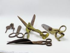 A PAIR OF LARGE BRASS AND STEEL TAILORS SHEARS /SCISSORS SIGNED T. WILKINSON MAKERS SHEFFIELD G.