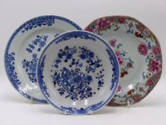 A CHINESE EXPORT FAMILLE ROSE OCTAGONAL PLATE, A BLUE AND WHITE STRAWBERRY DISH AND ANOTHER