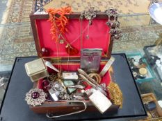 AN ASSORTMENT OF VINTAGE COSTUME JEWELLERY, ETC.
