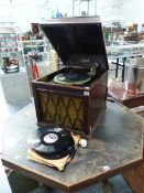 AN EDISON GRAMOPHONE AND VARIOUS RECORDS.