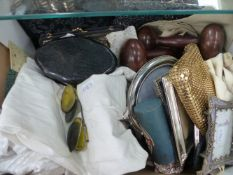 VARIOUS COLLECTABLES TO INCLUDE COLOURED OPTIC, VARIOUS COSTUME, ETC.