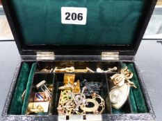 A JEWELLERY BOX OF VINTAGE COSTUME JEWELLERY TO INCLUDE AN EDWARDIAN SEED PEARL AND 9ct. BIRD