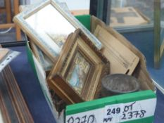 A BOX OF ASSORTED COLLECTABLES TO INCLUDE A PAIR OF HAND PAINTED MINIATURES.