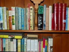 A QTY OF GARDENING AND OTHER BOOKS.