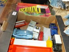 A QTY OF DINKY TOYS AND AN ESCALADO GAME.