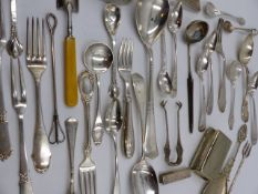 AN ASSORTMENT OF SILVER HALLMARKED, DANISH MARKED AND OTHER FLATWARE ETC. TOTAL WEIGHT ALL IN 34ozs.