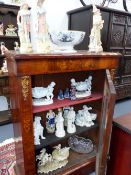 A COLLECTION OF VICTORIAN AND LATER POTTERY TO INCLUDE BISQUE FIGURINES, JASPERWARE, GLASS AND