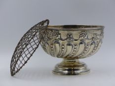 A SILVER HALLMARKED VICTORIAN EMBOSSED ROSE BOWL, DATED 1898. APPROXIMATE HEIGHT 11.5cms x 16cms,