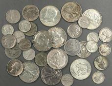 USA - Münzlot, dabei 9 x 1/2 Dollar silber, sowie etliche Kleinmünzen. USA - Lot coins, with, 9 x
