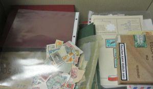 1 Karton voll Tütenware, Schachtel, etc. Sicher eine Fundgrube. Bitte besichtigen. 1 box full stamps