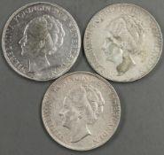 """Niderlande 1933 - 38, 3 x 2 1/2 Gulden - Silbermünzen, 1933, 1937 und 1938. """"Wilhelmina"""". Erhaltung:"""