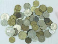 Lot Münzen aus aller Welt. Dabei auch Silbermünzen. Bitte besichtigen.