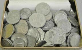1 Blechdose prall gefüllt mit Alu-Münzen der DDR. Sicher kleine Fundgrube