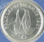 "Falkland Inseln 1987, 50 Pence - Silbermünze ""Königspinguine"". Erhaltung PP. Im Blister."