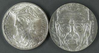 """Zwei Silbermünzen: 1 x Finnland 1970 10 Mark """"Juho Kusti Paasikivi"""", Gewicht: ca. 22,7 g und 1 x"""