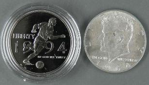 USA 1964/94, 2 x Half Dollar - Münzen. 1 x XV. Fußball - WM 1994, PP in Kapsel und 1 x J. F.