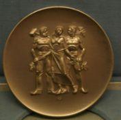 2 Medaillen, Gold- und Silberverleiung für langjährige Verdienste in der Pfälzischen Wirtschaft.