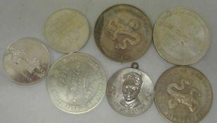 Lot Medaillen DDR, insgesamt 7 Stück. Bitte besichtigen.