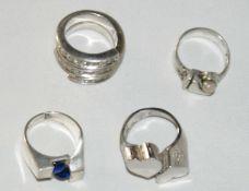 4 Silberringe, verschiedene Modelle und Größen. Gewicht ca. 37 gr.