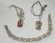 Kleines Konvolut Silberschmuck, bestehend aus 2 Ketten mit Anhänger, sowie 1 Armband. Gewicht ca. 19