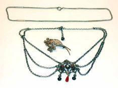 Silber Konvolut: Trachtencollier, L 40 cm, Kette, L 42 cm, und filigrane Blumenbrosche, B 5,5 cm