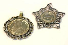 2 gefaßte Silbermünzen: 1/3 Thaler 1672 und Max Josef Thaler 1768, sehr schöne frühere Fassungen