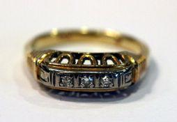 14 k Gelbgold Ring mit 3 in Weißgold gefaßten Diamanten, Gr. 55, ältere Handarbeit