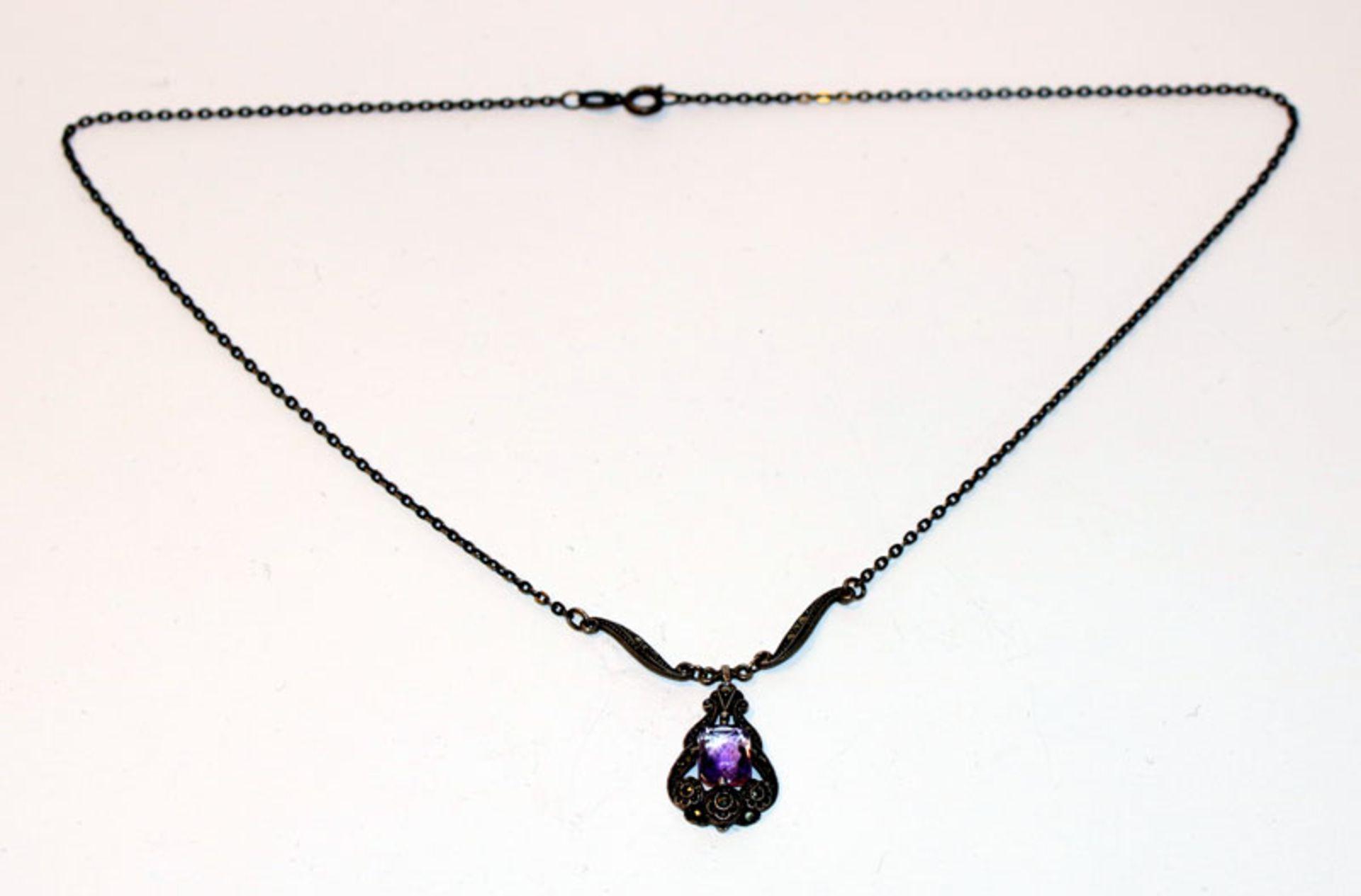 Collierkette, 835 Silber mit Markasiten und lila Stein, L 42 cm