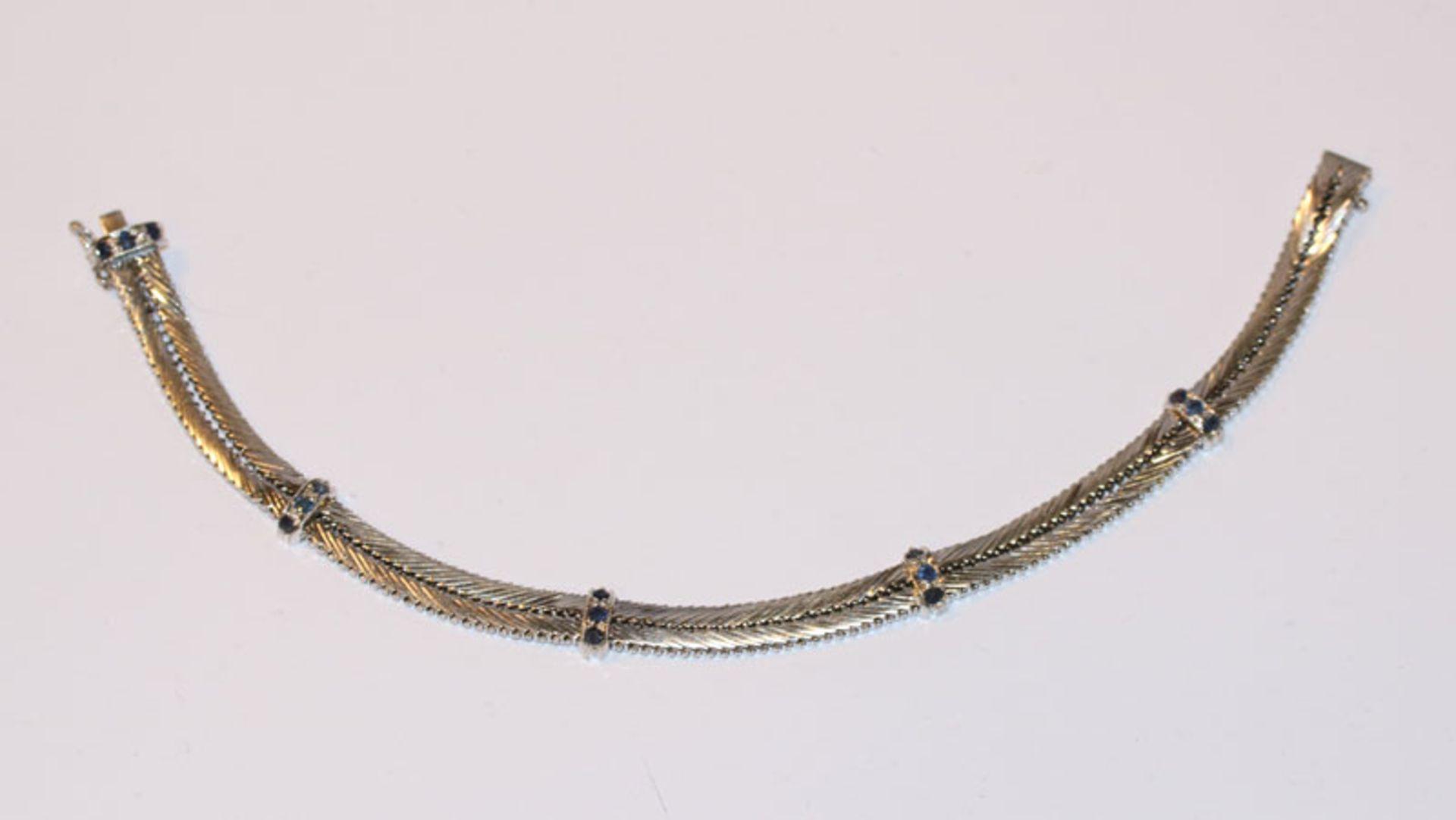 Los 54 - 18 k Weißgold Armband mit 15 Safiren, 25,6 gr., L 19 cm, klassische Handarbeit